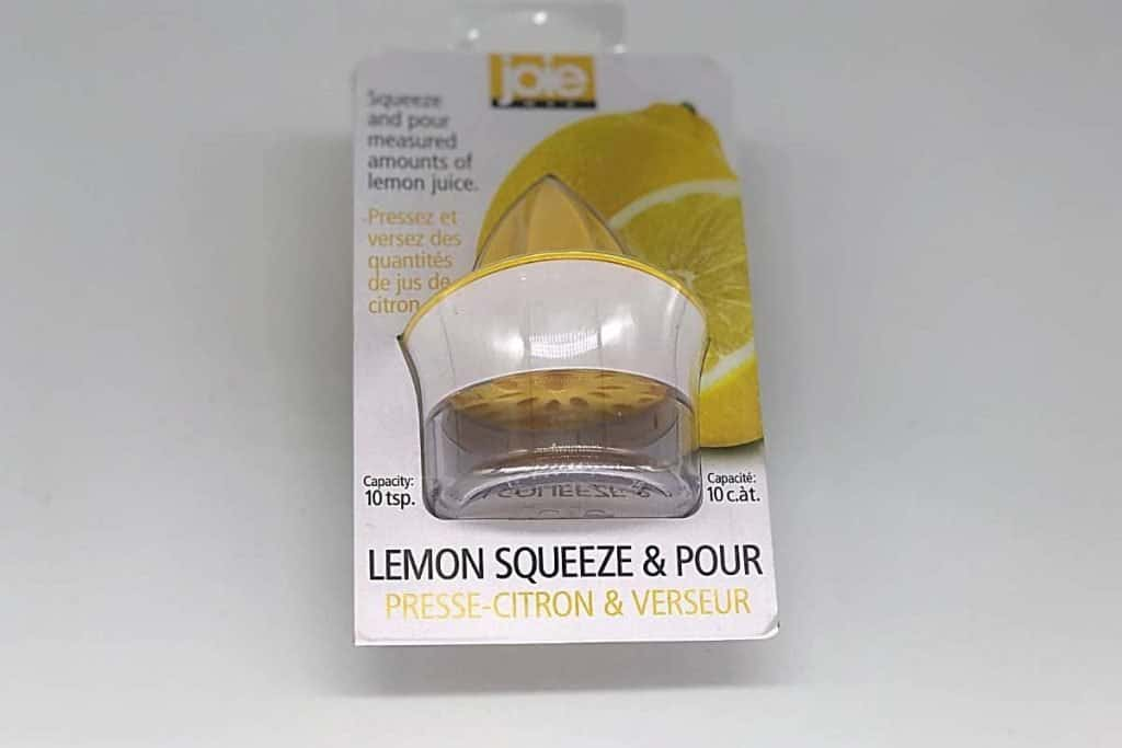 lemon squeeze and pour kitchen gadget in it's packaging